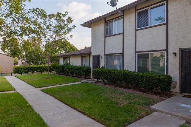 10148 Carefree Dr, Santee, CA 92071 (#170054679) :: Whissel Realty