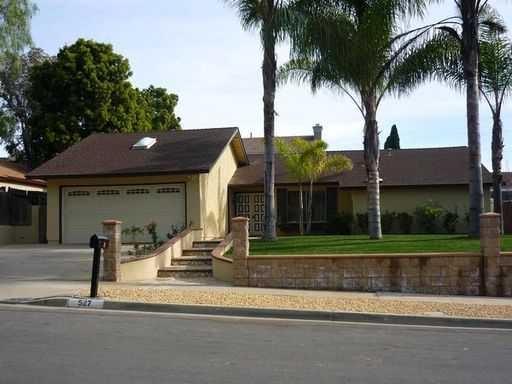 527 Huff Street, Vista, CA 92083 (#170058901) :: Coldwell Banker Residential Brokerage