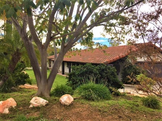 1325 Los Conejos, Fallbrook, CA 92028 (#170059113) :: Coldwell Banker Residential Brokerage