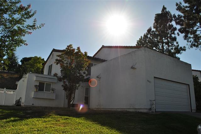 9885 Aldergrove Ln, Spring Valley, CA 91977 (#170059279) :: Teles Properties - Ruth Pugh Group