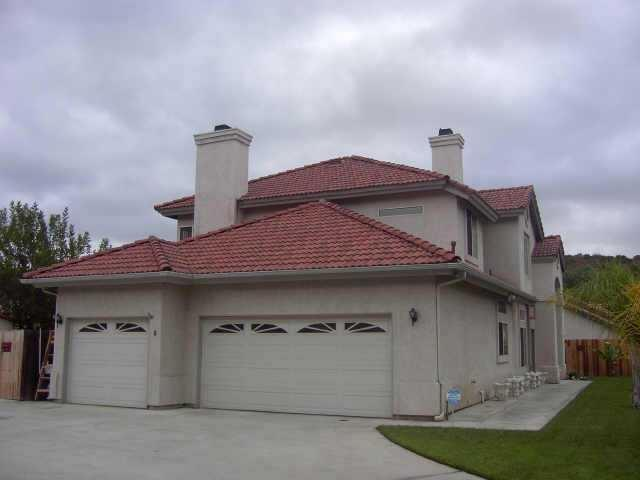 9302 Pequenito Ct, Lakeside, CA 92040 (#170059411) :: Whissel Realty