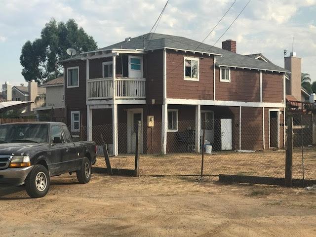 1250 E Lincoln Ave, Escondido, CA 92027 (#170059449) :: Carrington Real Estate Services