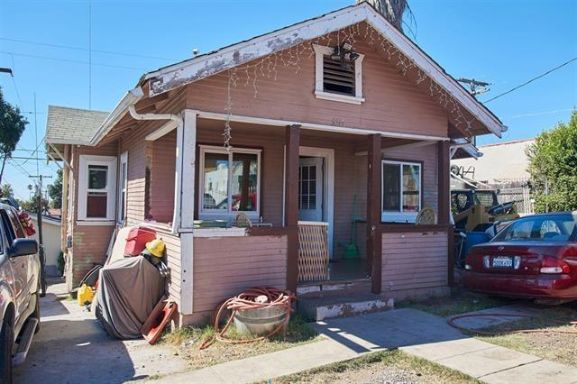 550 S 37th St, San Diego, CA 92113 (#180001246) :: The Houston Team | Coastal Premier Properties