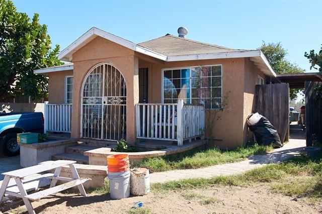 3963 Franklin Ave, San Diego, CA 92113 (#180001250) :: Heller The Home Seller