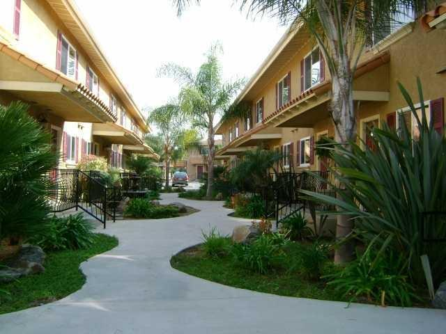 792 N N Mollison Ave #22, El Cajon, CA 92021 (#180003725) :: Whissel Realty