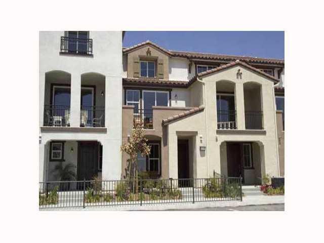 2192 Caminito Rinaldo #126, Chula Vista, CA 91915 (#180006459) :: Neuman & Neuman Real Estate Inc.