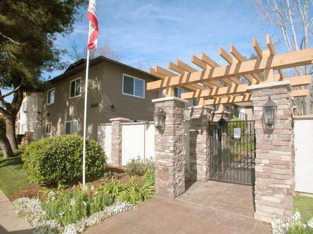 1440 Oakdale Ave #13, El Cajon, CA 92021 (#180008592) :: Neuman & Neuman Real Estate Inc.