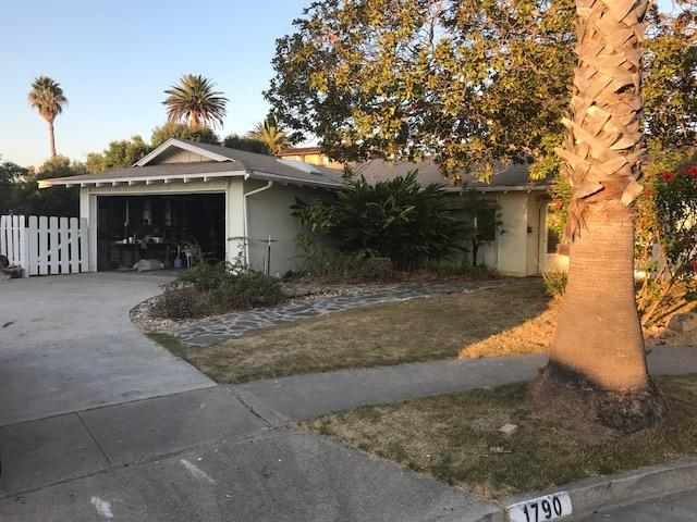 1790 Andrea Ave, Carlsbad, CA 92008 (#180009867) :: Coldwell Banker Residential Brokerage