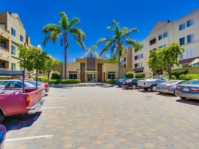 8889 Caminito Plaza Centro #7221, San Diego, CA 92122 (#180014381) :: The Yarbrough Group