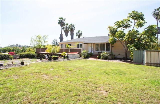 9145 Dillon Drive, La Mesa, CA 91941 (#180016571) :: Keller Williams - Triolo Realty Group
