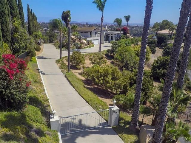 2310 Aqua Hill Road, Fallbrook, CA 92028 (#180017330) :: The Yarbrough Group