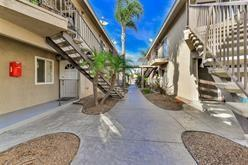 1328 Iris Ave #5, Imperial Beach, CA 91932 (#180018369) :: Whissel Realty