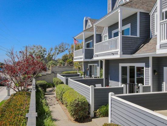 1677 Neptune Ave, Encinitas, CA 92024 (#180018696) :: The Houston Team | Coastal Premier Properties