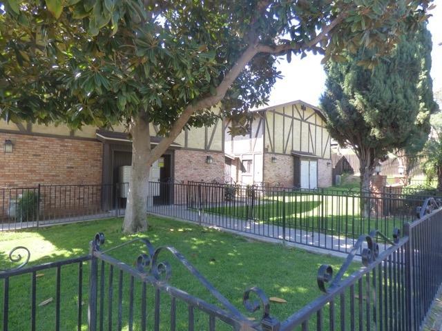 1632 Presioca St #5, Spring Valley, CA 91977 (#180019571) :: Ghio Panissidi & Associates