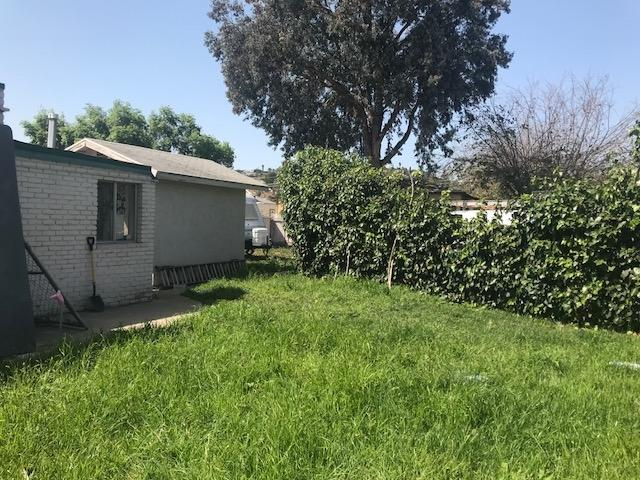 8948 Troy St, Spring Valley, CA 91977 (#180019606) :: Neuman & Neuman Real Estate Inc.