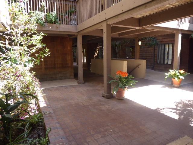 8850 Villa La Jolla Drive #106, La Jolla, CA 92037 (#180020879) :: Harcourts Ranch & Coast