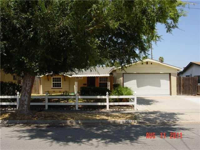8856 Innsdale Ave, Spring Valley, CA 91977 (#180021007) :: Douglas Elliman - Ruth Pugh Group