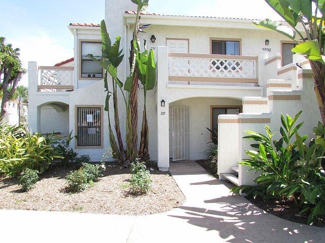 9392 Twin Trails Dr #101, San Diego, CA 92129 (#180021394) :: Douglas Elliman - Ruth Pugh Group