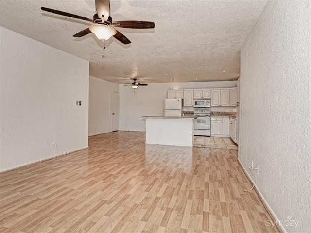 429 Autumn Dr #22, San Marcos, CA 92069 (#180025064) :: Heller The Home Seller