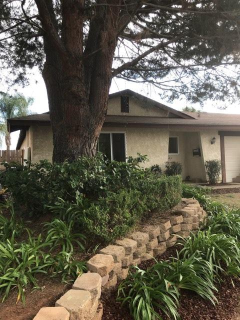 1249 Siggson Ave, Escondido, CA 92026 (#180026955) :: Keller Williams - Triolo Realty Group