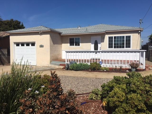 425 8th Street, Imperial Beach, CA 91932 (#180026981) :: The Yarbrough Group