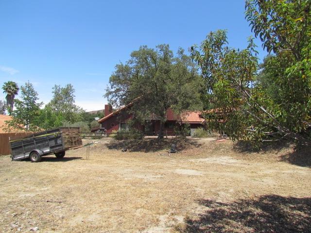 24433 Del Amo Rd, Ramona, CA 92065 (#180027081) :: Heller The Home Seller