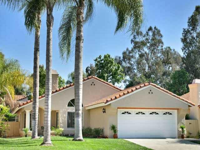 2936 Avenida Theresa, Carlsbad, CA 92009 (#180027150) :: Hometown Realty