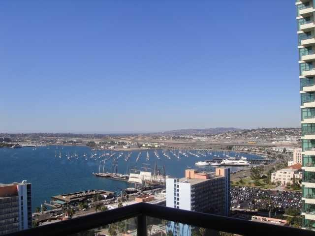 1199 Pacific Highway #2501, San Diego, CA 92101 (#180027225) :: KRC Realty Services