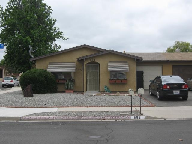 692 San Marino Street, Hemet, CA 92545 (#180028349) :: Keller Williams - Triolo Realty Group
