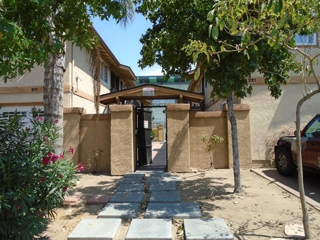 221 S 47th Street #11, San Diego, CA 92113 (#180031157) :: KRC Realty Services