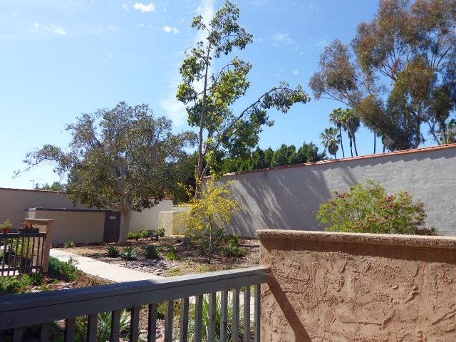 7120 Shoreline #2102, San Diego, CA 92122 (#180032078) :: Ghio Panissidi & Associates