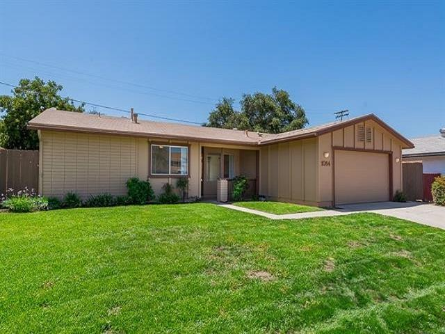 1084 Nidrah St, El Cajon, CA 92020 (#180034317) :: Keller Williams - Triolo Realty Group
