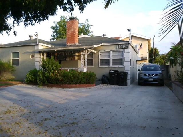 11606 Kittridge St, North Hollywood, CA 91606 (#180037687) :: The Yarbrough Group