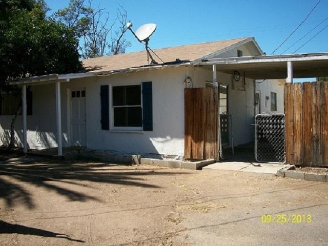 723 E Street, Ramona, CA 92065 (#180040093) :: The Houston Team | Compass