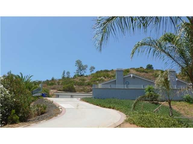 12252 Highway 67, Lakeside, CA 92040 (#180041692) :: The Yarbrough Group