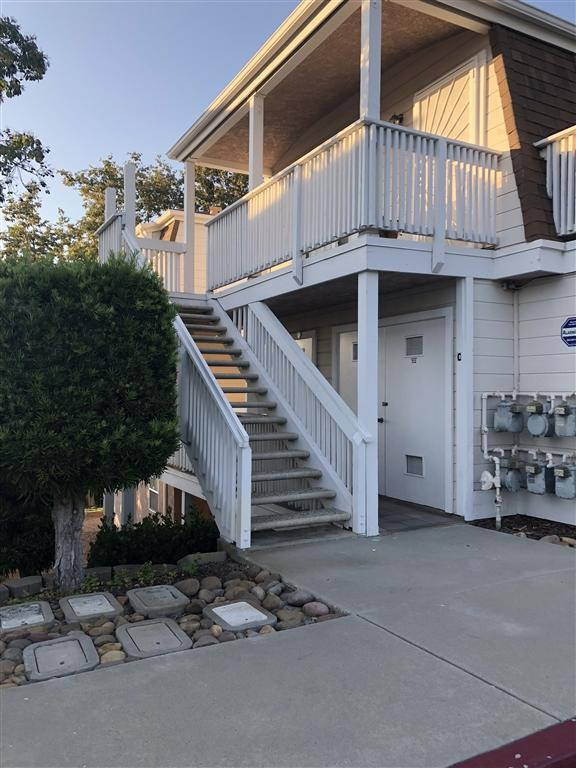 5070 Via Manos A, Oceanside, CA 92057 (#180044855) :: The Yarbrough Group