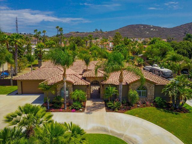 3535 Par Four Drive, El Cajon, CA 92019 (#180045772) :: Whissel Realty