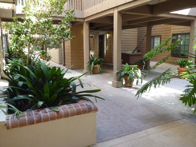 8870 Villa La Jolla Drive #102, La Jolla, CA 92037 (#180051466) :: Heller The Home Seller