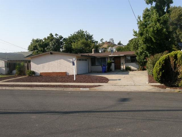 12934 Slack Street, Poway, CA 92064 (#180052898) :: Ghio Panissidi & Associates