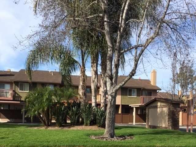 207 Westlake #5, San Marcos, CA 92069 (#180053105) :: KRC Realty Services