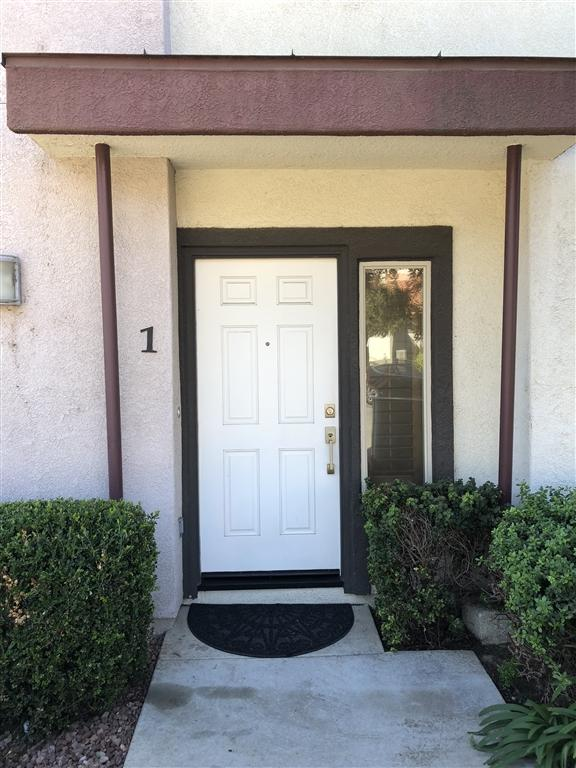 303 Citracado Pkwy #1, Escondido, CA 92025 (#180059967) :: Farland Realty