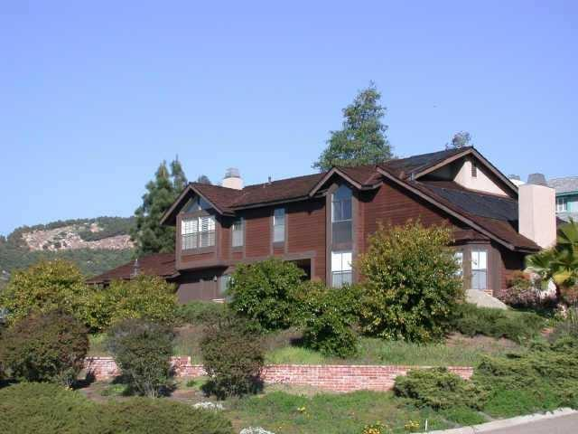 1810 Citrus Glen Dr, Escondido, CA 92027 (#180062227) :: Whissel Realty