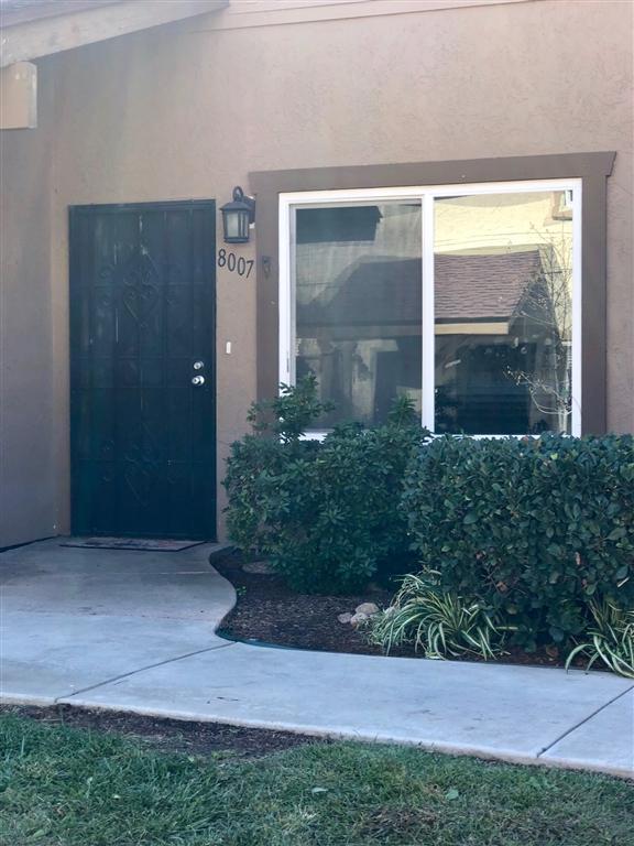 8007 Calle Fanita, Santee, CA 92071 (#180063911) :: Steele Canyon Realty