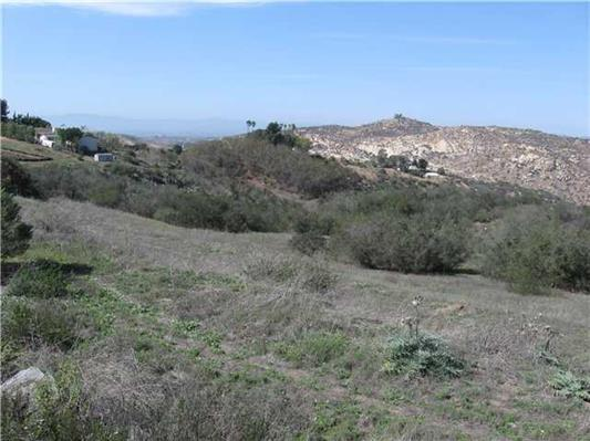 639 N View Lane #1, Escondido, CA 92026 (#180065946) :: Whissel Realty