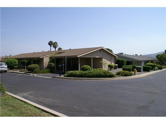1878 Fairway Park B, Escondido, CA 92026 (#180067122) :: Beachside Realty