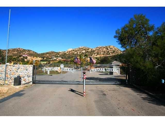 1496 Montana Serena Ct #2, El Cajon, CA 92021 (#190000724) :: The Yarbrough Group
