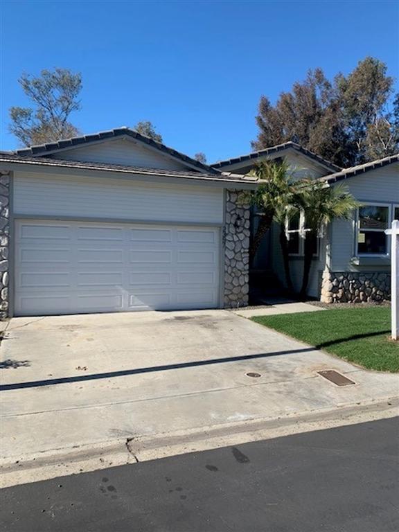 2357 Sandy Ln, Vista, CA 92081 (#190004056) :: KRC Realty Services