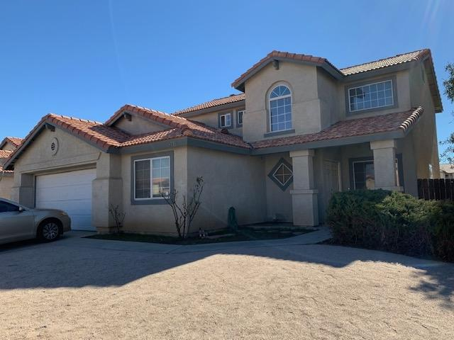 2018 E Jackman St, Lancaster, CA 93535 (#190007031) :: Welcome to San Diego Real Estate
