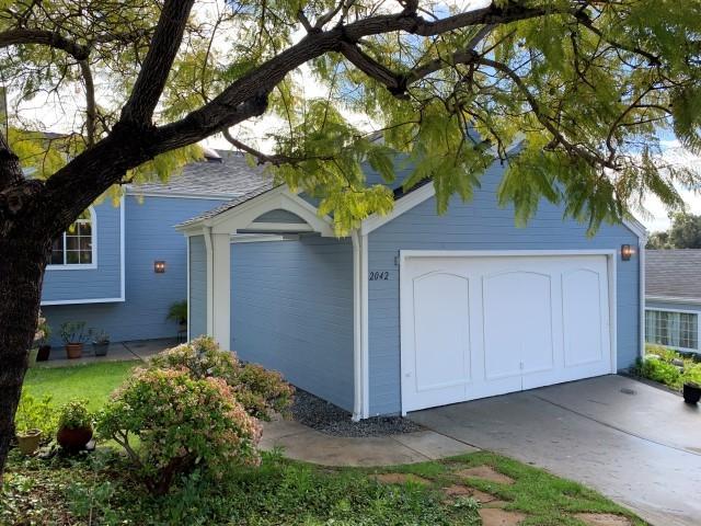2042 Mountain Vista Way, Oceanside, CA 92054 (#190007147) :: Keller Williams - Triolo Realty Group