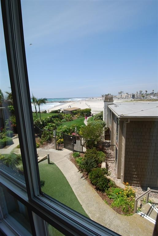 999 N Pacific St E111, Oceanside, CA 92054 (#190014161) :: eXp Realty of California Inc.